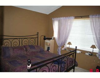 """Photo 10: 18488 66A Avenue in Surrey: Cloverdale BC House for sale in """"CLOVER VALLEY STATION"""" (Cloverdale)  : MLS®# F2913549"""