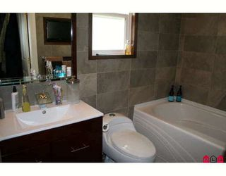 """Photo 9: 18488 66A Avenue in Surrey: Cloverdale BC House for sale in """"CLOVER VALLEY STATION"""" (Cloverdale)  : MLS®# F2913549"""