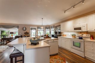 Photo 5: 3812 42 Street in Edmonton: Zone 29 House for sale : MLS®# E4168921