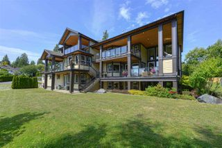 Photo 3: 12968 SOUTHRIDGE Drive in Surrey: Panorama Ridge House for sale : MLS®# R2434272