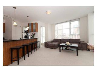 Photo 2:  in Vancouver: Downtown Condo for rent : MLS®# AR032A