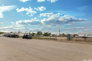 Main Photo: 512 42nd A Street East in Saskatoon: North Industrial SA Commercial for sale : MLS®# SK813131