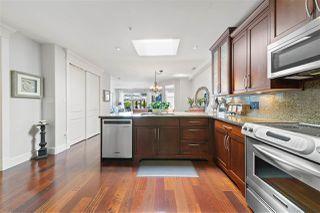 Photo 4: 405 15164 PROSPECT Avenue: White Rock Condo for sale (South Surrey White Rock)  : MLS®# R2466686