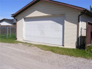 Photo 39: 132 WHITAKER Close NE in Calgary: Whitehorn Detached for sale : MLS®# C4306170