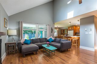 Photo 2: 2221 Whiskey Jack Way in : CV Courtenay East House for sale (Comox Valley)  : MLS®# 854228