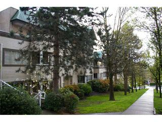 Photo 1: 300 1310 CARIBOO Street in New Westminster: Uptown NW Condo for sale : MLS®# V823901