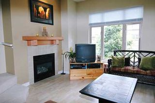 """Photo 2: 238 600 PARK CR in New Westminster: GlenBrooke North Townhouse for sale in """"THE ROYCROFT"""" : MLS®# V592216"""