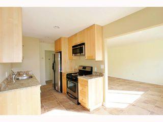 Photo 3: PACIFIC BEACH Condo for sale : 1 bedrooms : 831 1/2 MISSOURI STREET