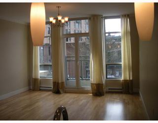 """Photo 3: 206 1 E CORDOVA Street in Vancouver: Downtown VE Condo for sale in """"Carrall Station"""" (Vancouver East)  : MLS®# V762414"""