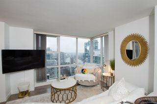 "Photo 5: 2807 193 AQUARIUS Mews in Vancouver: Yaletown Condo for sale in ""MARINASIDE RESORT"" (Vancouver West)  : MLS®# R2411655"