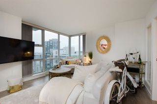 "Photo 16: 2807 193 AQUARIUS Mews in Vancouver: Yaletown Condo for sale in ""MARINASIDE RESORT"" (Vancouver West)  : MLS®# R2411655"