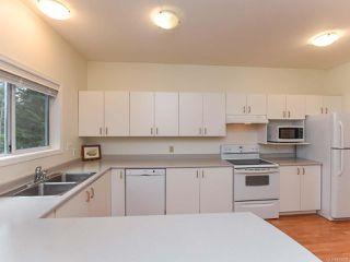Photo 3: 309 1686 Balmoral Ave in COMOX: CV Comox (Town of) Condo for sale (Comox Valley)  : MLS®# 833200