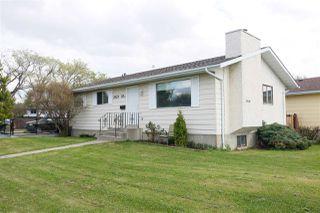 Photo 2: 2923 89 Street in Edmonton: Zone 29 House for sale : MLS®# E4198083