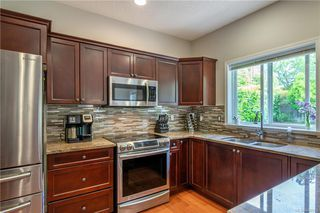 Photo 12: 200 Shadow Ridge Pl in View Royal: VR Hospital House for sale : MLS®# 840573