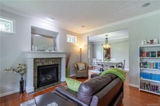 Photo 8: 200 Shadow Ridge Pl in View Royal: VR Hospital House for sale : MLS®# 840573