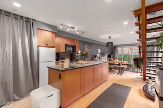 Photo 15: 2035 E Pender Street in Vancouver: Hastings House for sale (Vancouver East)  : MLS®# R2510504