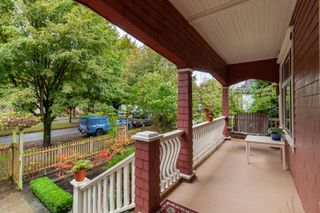 Photo 3: 2035 E Pender Street in Vancouver: Hastings House for sale (Vancouver East)  : MLS®# R2510504