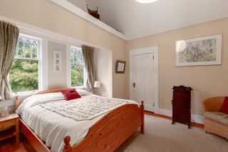 Photo 11: 2035 E Pender Street in Vancouver: Hastings House for sale (Vancouver East)  : MLS®# R2510504