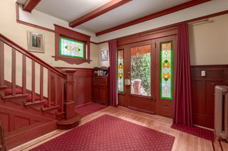 Photo 4: 2035 E Pender Street in Vancouver: Hastings House for sale (Vancouver East)  : MLS®# R2510504