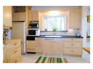 Photo 3: 21206 DEWDNEY TRUNK Road in Maple Ridge: Southwest Maple Ridge House for sale : MLS®# V833453