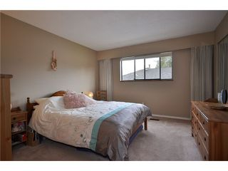 """Photo 6: 1530 HATTON Avenue in Burnaby: Simon Fraser Univer. House for sale in """"DUTHIE/SFU"""" (Burnaby North)  : MLS®# V851270"""