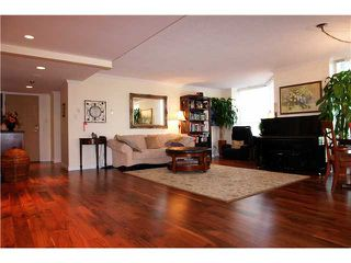 """Photo 2: 201 717 JERVIS Street in Vancouver: West End VW Condo for sale in """"EMERALD WEST"""" (Vancouver West)  : MLS®# V864360"""