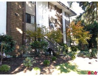 "Main Photo: 302 15020 N BLUFF Road in White_Rock: White Rock Condo for sale in ""NORTH BLUFF VILLAGE"" (South Surrey White Rock)  : MLS®# F2830484"