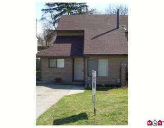 Photo 1: 5352 198A Street in Langley: Langley City House 1/2 Duplex for sale : MLS®# F2906107
