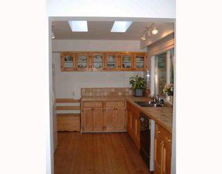 "Photo 5: 2796 WILLIAM Avenue in North_Vancouver: Lynn Valley House for sale in ""LYNN VALLEY"" (North Vancouver)  : MLS®# V758963"