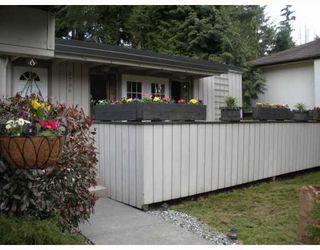 "Photo 2: 2796 WILLIAM Avenue in North_Vancouver: Lynn Valley House for sale in ""LYNN VALLEY"" (North Vancouver)  : MLS®# V758963"