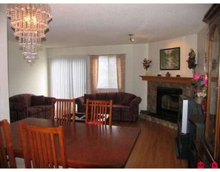 "Photo 3: 101 15529 87A Avenue in Surrey: Fleetwood Tynehead Townhouse for sale in ""EVERGREEN ESTATES"" : MLS®# F2906932"