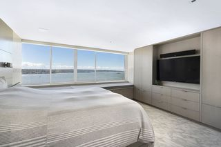"""Photo 12: 1904 1835 MORTON Avenue in Vancouver: West End VW Condo for sale in """"OCEAN TOWERS"""" (Vancouver West)  : MLS®# R2395421"""