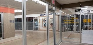 Photo 10: 1518 CENTER Street N.E in CALGARY: Commercial for sale or lease (Calgary)  : MLS®# C4247750