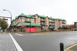 "Main Photo: 221 22661 LOUGHEED Highway in Maple Ridge: East Central Condo for sale in ""GOLDEN EARS GATE"" : MLS®# R2409779"