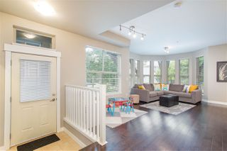 Photo 3: 309 E 15TH STREET in North Vancouver: Central Lonsdale Townhouse for sale : MLS®# R2413029