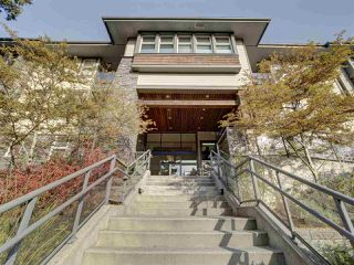 Photo 2: 310 188 W 29TH Street in North Vancouver: Upper Lonsdale Condo for sale : MLS®# R2422878