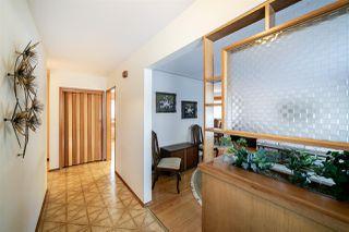 Photo 3: 15715 89A Avenue in Edmonton: Zone 22 House for sale : MLS®# E4186419