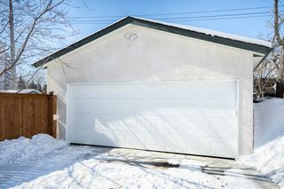 Photo 2: 134 Braintree Crescent in Winnipeg: Jameswood House for sale (5F)  : MLS®# 1905333