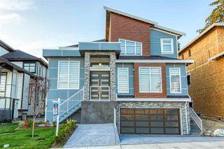 Main Photo: 15521 78 Avenue in Surrey: Fleetwood Tynehead House for sale : MLS®# R2475478