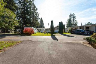 """Photo 3: 34 20071 24 Avenue in Langley: Brookswood Langley Manufactured Home for sale in """"Fernridge Park"""" : MLS®# R2484697"""