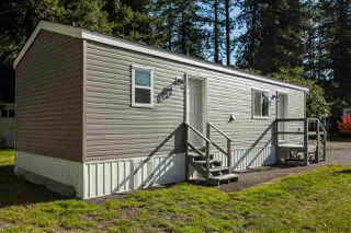 """Photo 26: 34 20071 24 Avenue in Langley: Brookswood Langley Manufactured Home for sale in """"Fernridge Park"""" : MLS®# R2484697"""