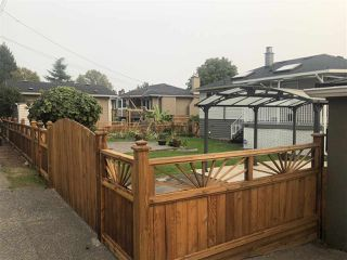 Photo 9: 3815 HURST Street in Burnaby: Suncrest House for sale (Burnaby South)  : MLS®# R2498470