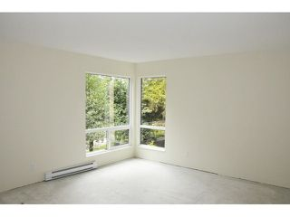Photo 3: 14801 HOLLY PARK LN in Surrey: Guildford Home for sale ()  : MLS®# F1442517