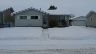 Photo 1: 9804 - 97 Street in Morinville: House for rent