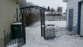 Photo 2: 9804 - 97 Street in Morinville: House for rent