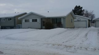 Photo 7: 9804 - 97 Street in Morinville: House for rent