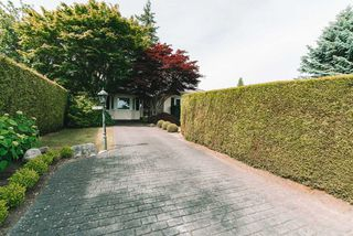 "Photo 34: 13975 MARINE Drive: White Rock House for sale in ""MARINE DRIVE WEST"" (South Surrey White Rock)  : MLS®# R2468970"