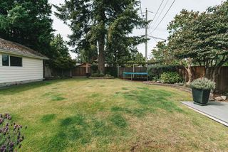 "Photo 35: 13975 MARINE Drive: White Rock House for sale in ""MARINE DRIVE WEST"" (South Surrey White Rock)  : MLS®# R2468970"