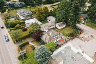 "Photo 33: 13975 MARINE Drive: White Rock House for sale in ""MARINE DRIVE WEST"" (South Surrey White Rock)  : MLS®# R2468970"