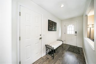 """Photo 3: 118 13888 70 Avenue in Surrey: East Newton Townhouse for sale in """"Chelsea Gardens"""" : MLS®# R2486010"""